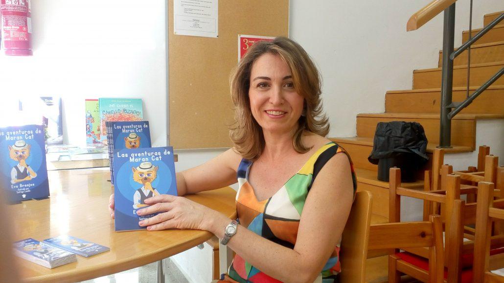 Eva Braojos con Maran Cat